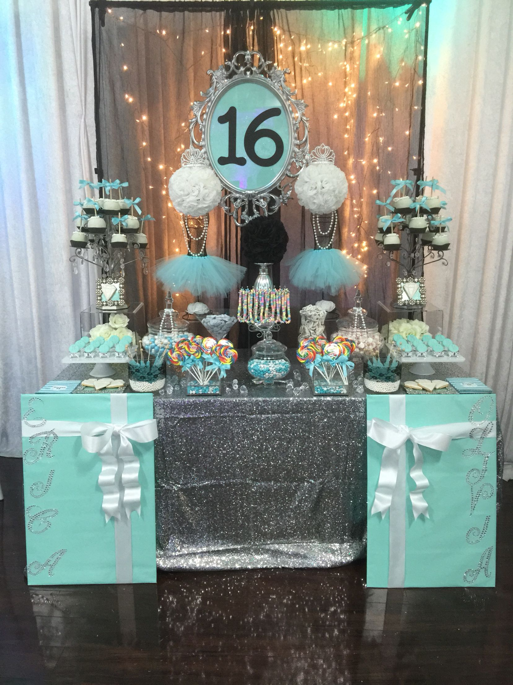 Decoraciones Gramar Turquoise White And Black With Silver Accents Candy