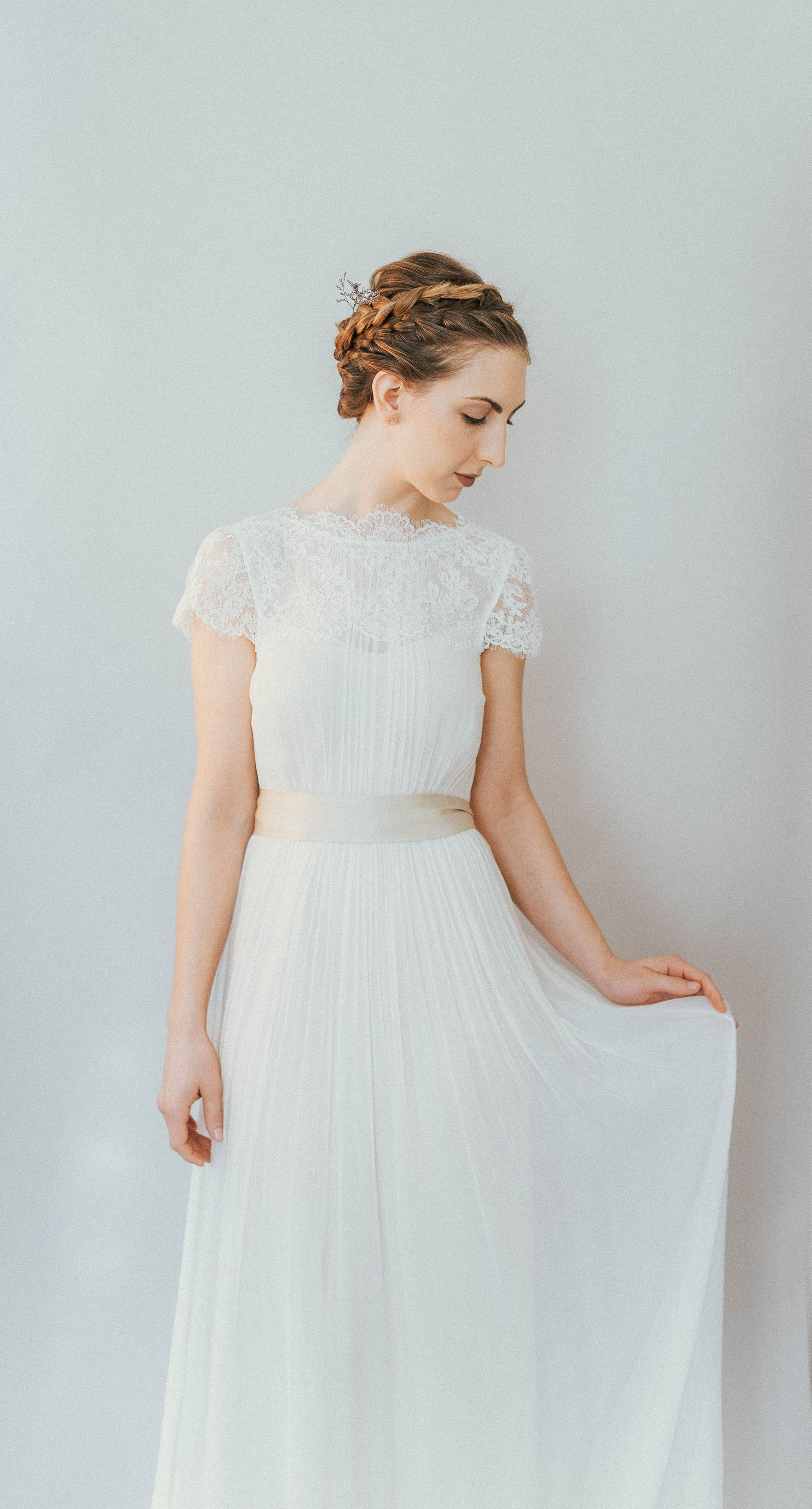 On6190 Ethereal Lace Detachable Trained Wedding Dress In