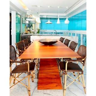 Varanda gourmet por Andréa Calabria Arquitetura #terrace #homedecor #interiordesign #apartamentodecorado #decoração