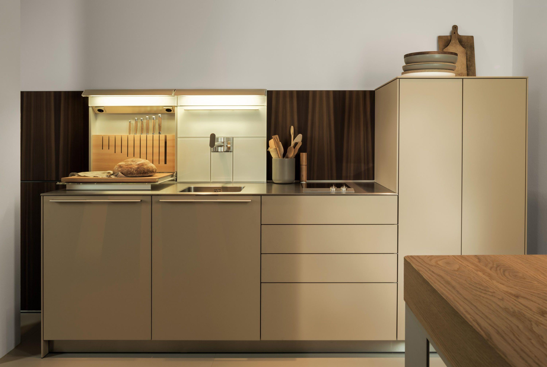 Materialkundig | Farbpaletten, Matt und Küche