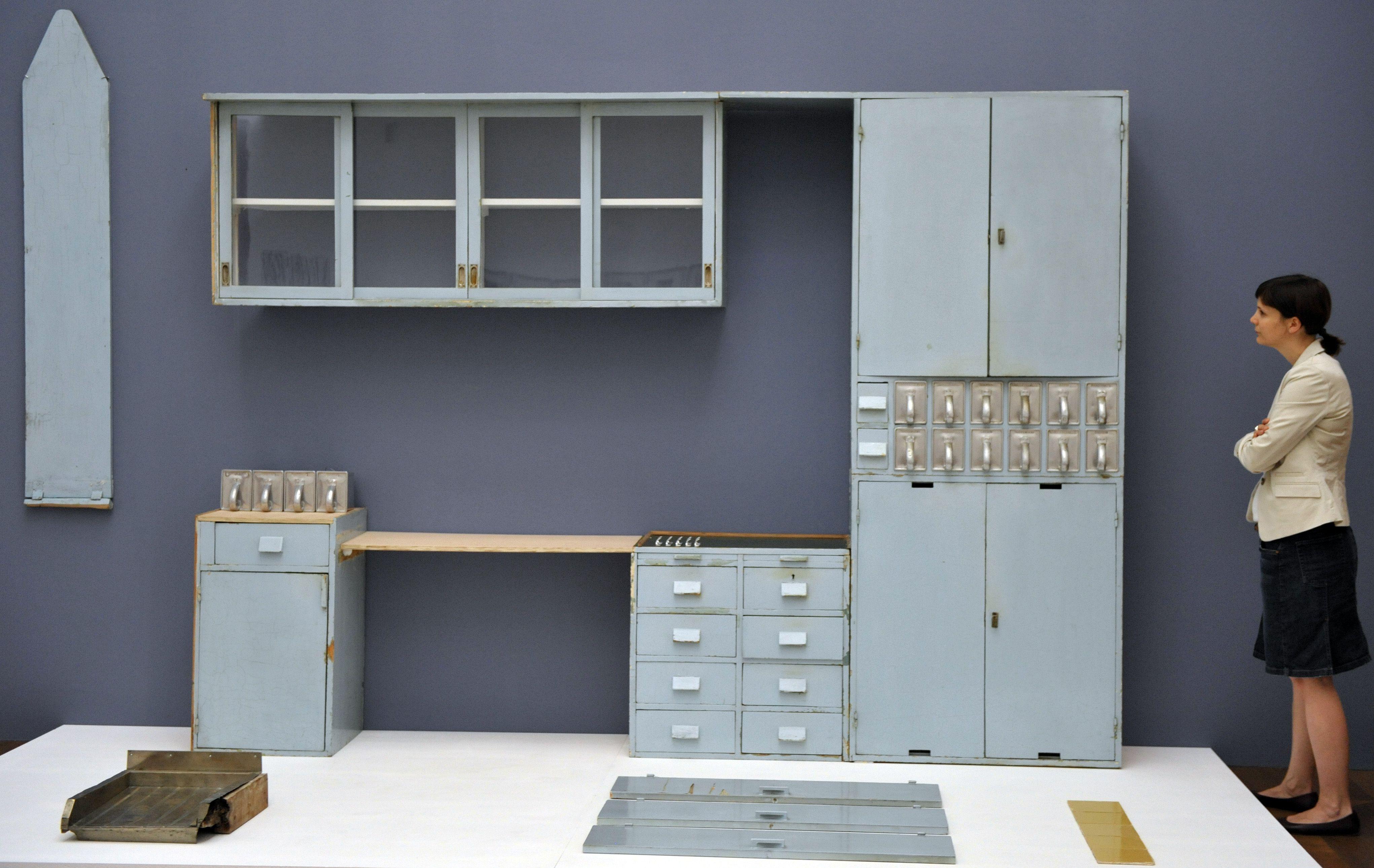 frankfurter k che aus den 1930er jahren bauhaus architektur und design pinterest. Black Bedroom Furniture Sets. Home Design Ideas