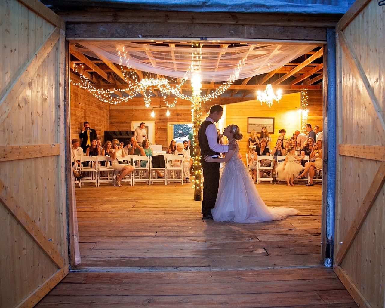 Rustic Barn Weddings Only An Hour West Of Fort Worth