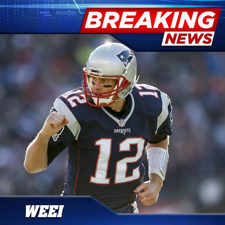 Tom Brady And The Patriots Have Reportedly Agreed To A Contract Extension That Locks Him Up Through The 2021 Season Read M Football Helmets Tom Brady Football