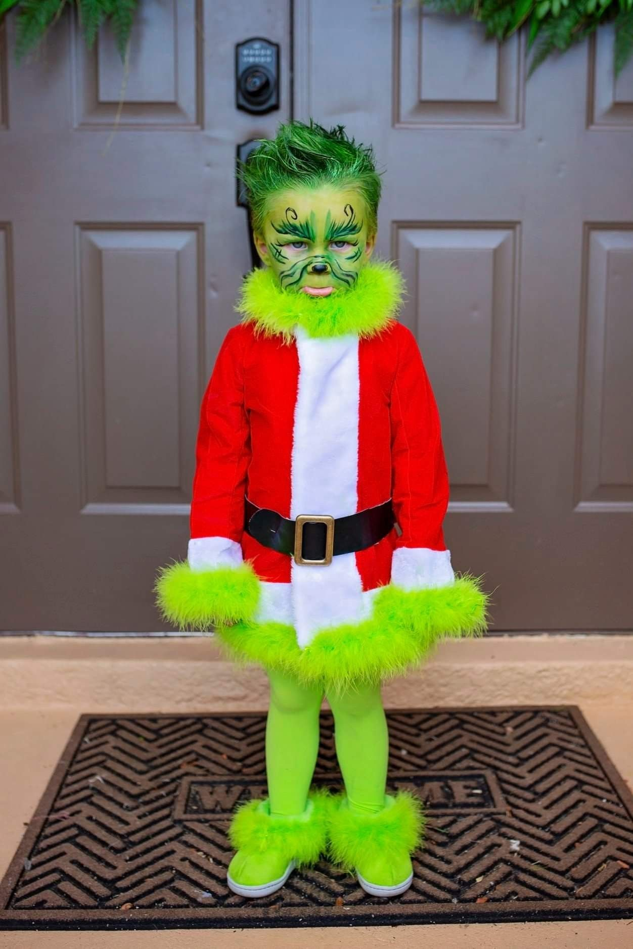 Homemade Grinch Costume and Face Paint. in 2020 Grinch