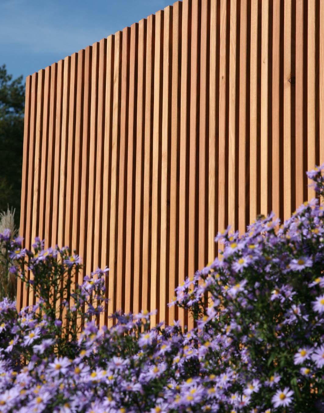 Sichtschutz Moderne Holz Lamellen Nach Mass Von Walli Naturzaun Sichtschutzwand Garten Moderner Garten