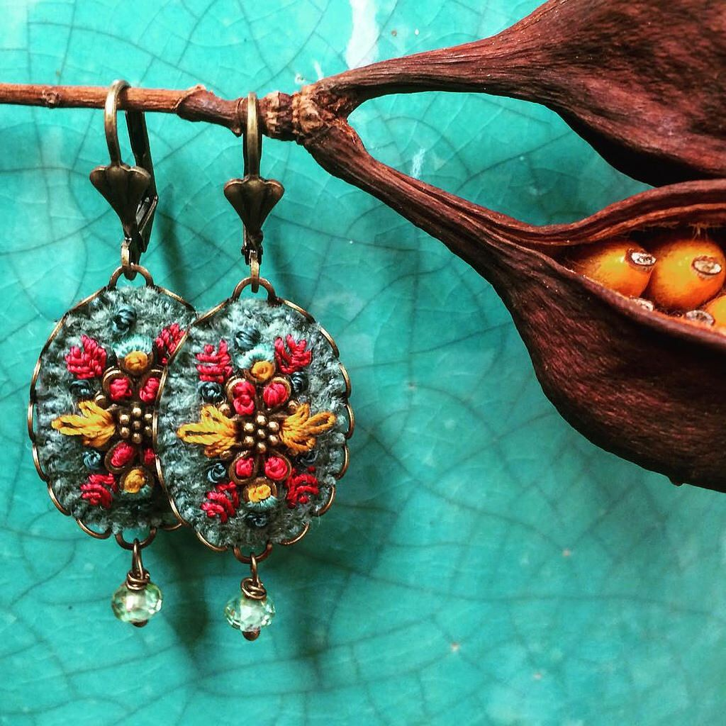 Love these gorgeous embroidered earrings by Barbara Schar.