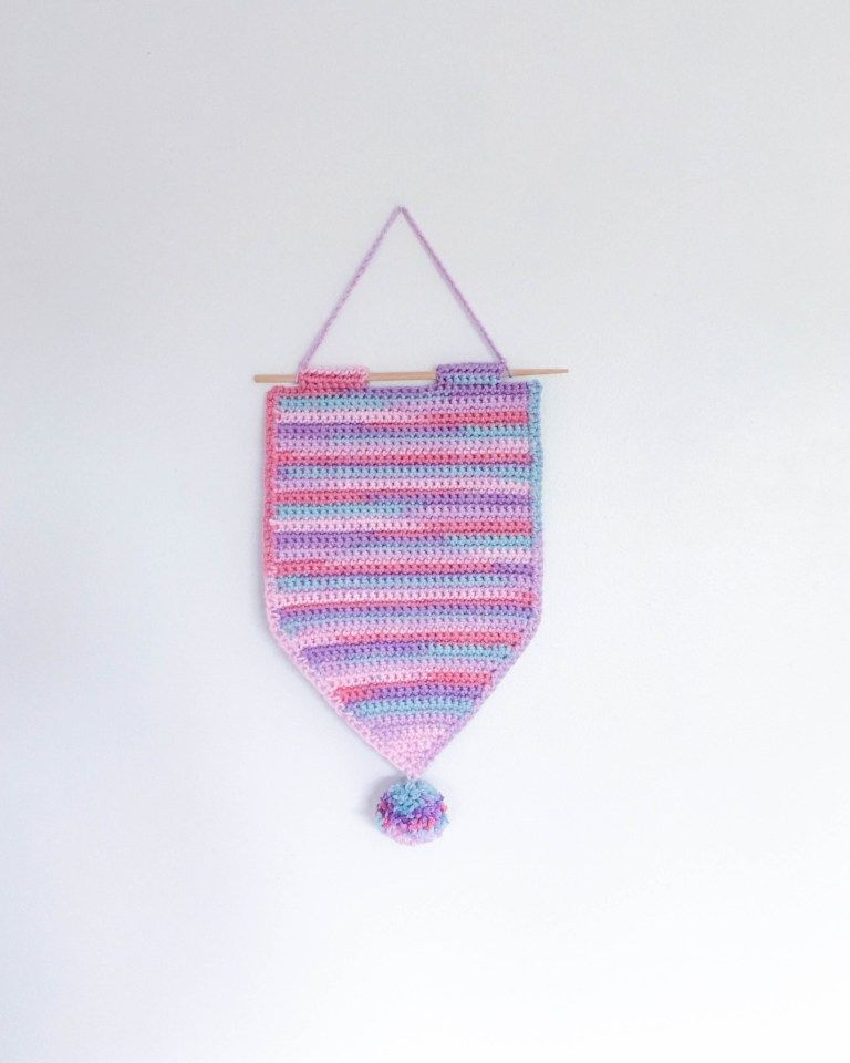 Get your pin on! Crochet a Pin Banner | doily | Pinterest