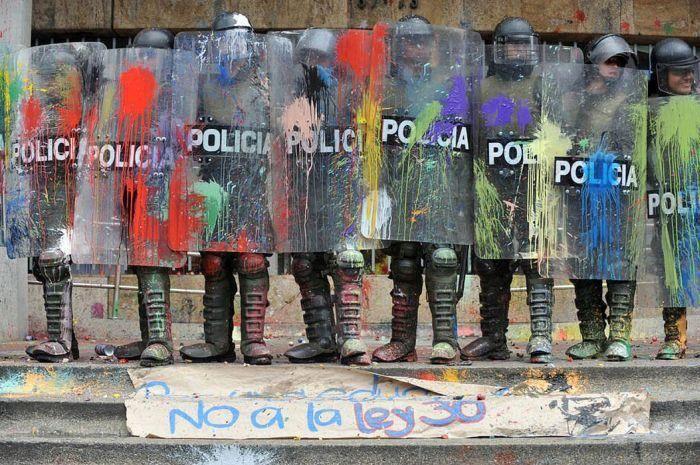 Paint that cop!