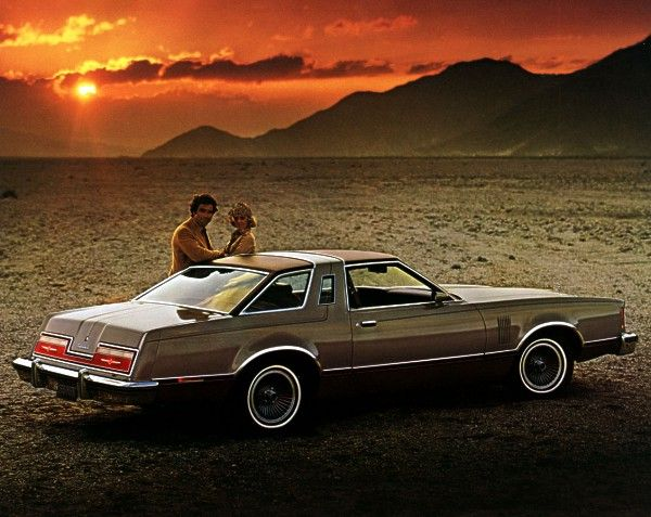 Mine Was Black With Grey Vinyl And Grey Vinyl Roof I Totaled It Ford Thunderbird Thunderbird Mid Size Car