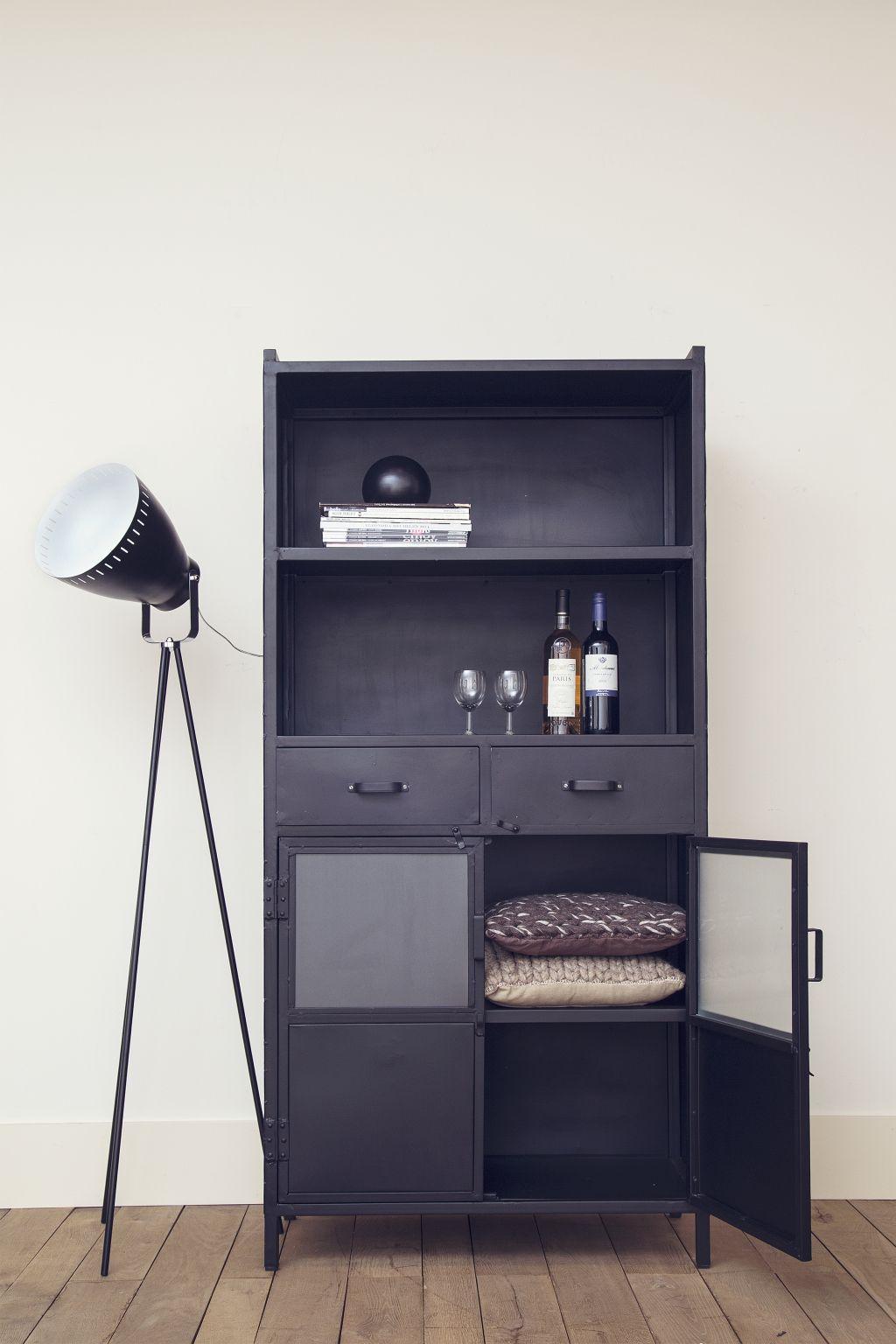 Boekenkast \'Eleonora Industrieel\' met 2 deuren en 2 laden ...