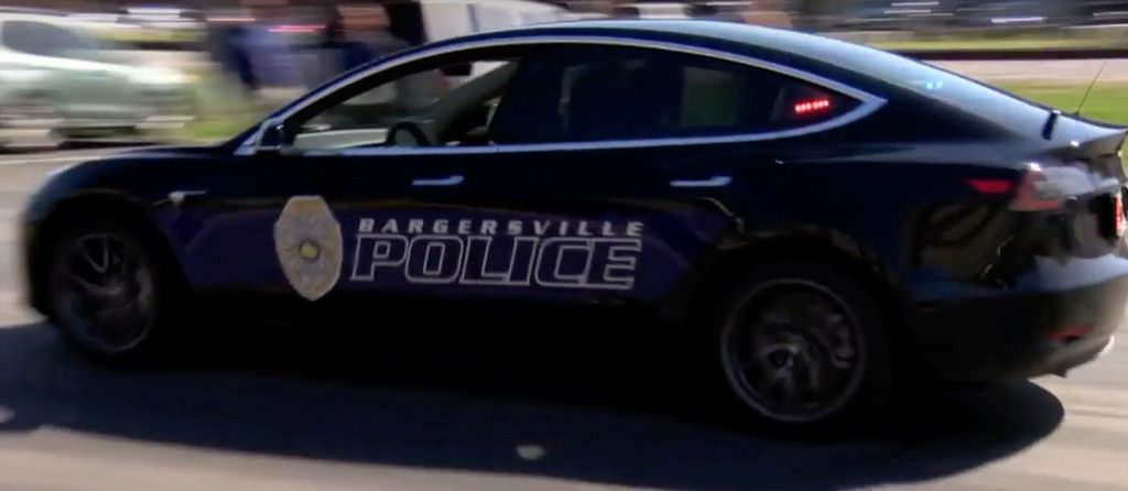 Tesla Model 3 Gets The Nod From Police Over Cost And Performance Bye Bye Dodge Charger Https T Co Dgcc46ovcn By Fredericlambert Tesla Model Police Cars Tesla