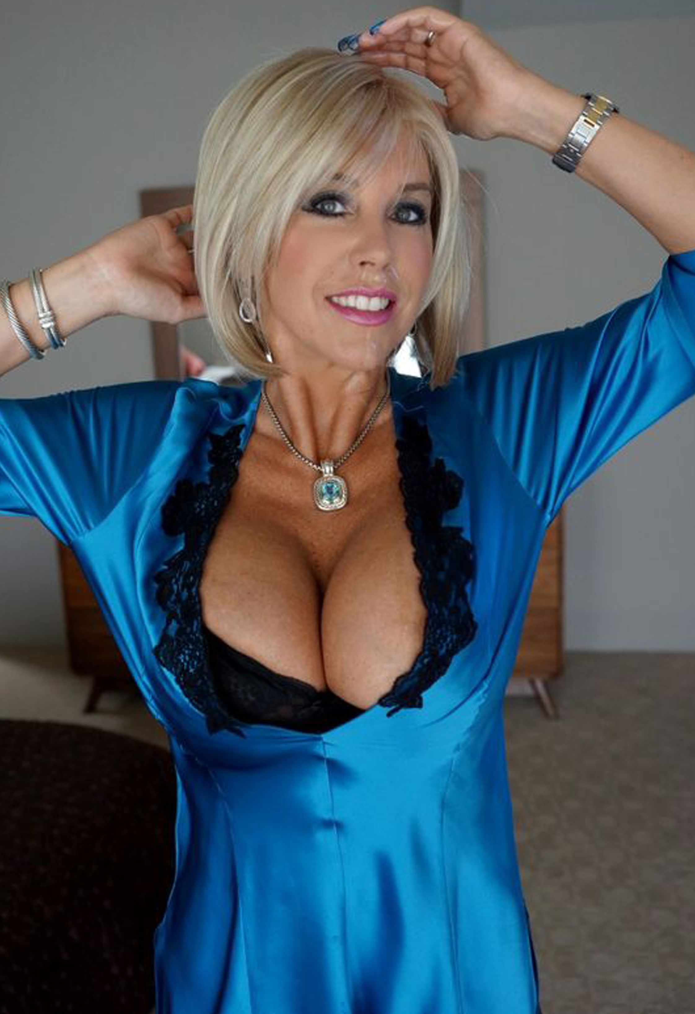 Soccer milf webcam boobs