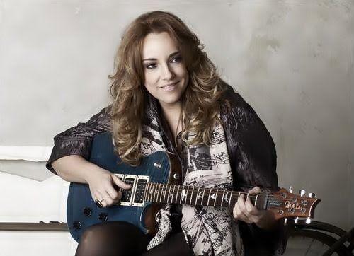 Ana Carolina Cantores Look E Shows