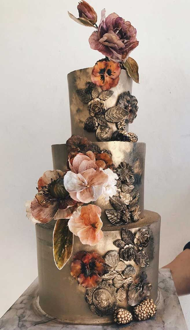 The 50 Most Beautiful Wedding Cakes - Gold wedding