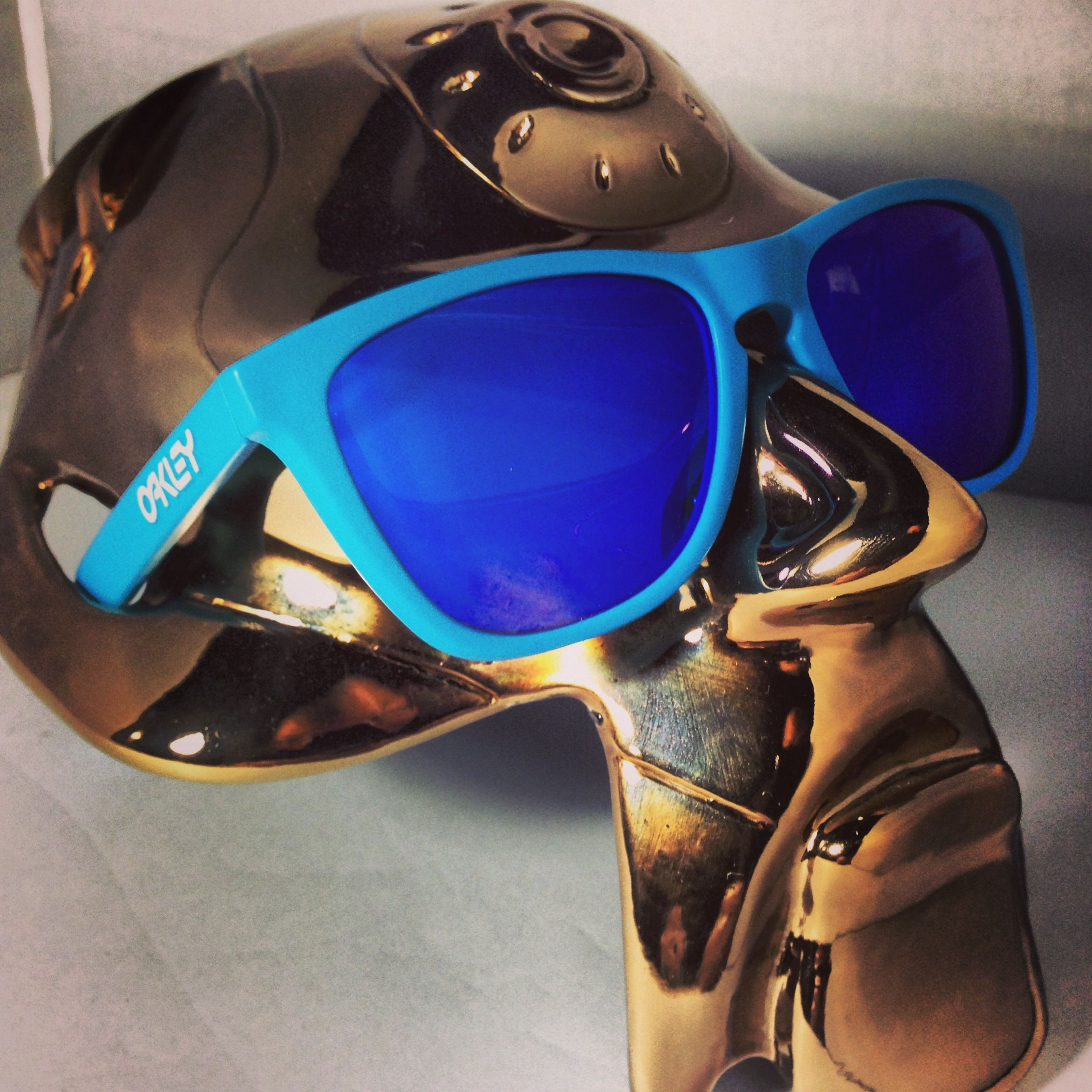 oakley frogskin blue iridium