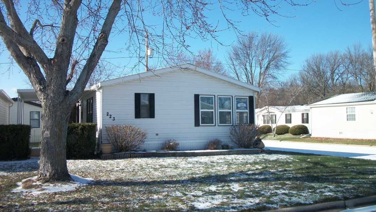 Skyline Mobile / Manufactured Home in Green Bay, WI via