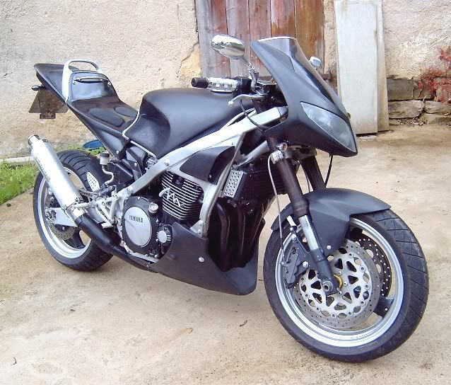 Custom Fighters - 2001 Kawasaki Ninja ZX6R | Street