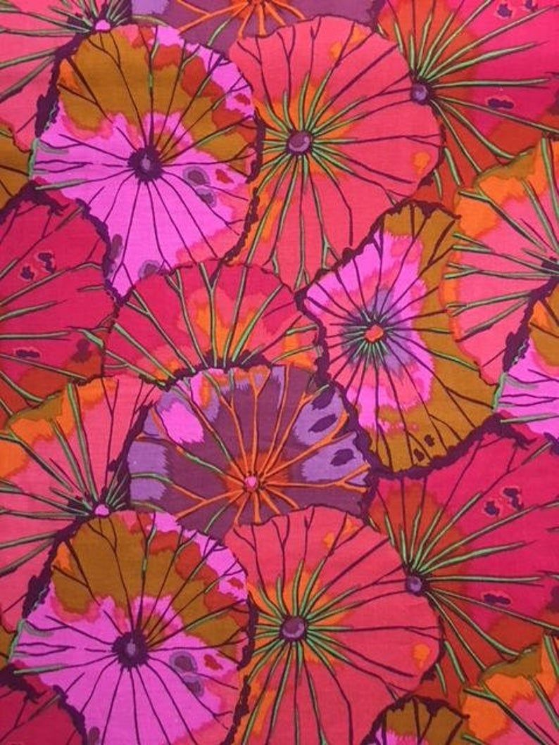 32 Bolt End Lotus Leaf In Wine By Kaffe Fassett In 2020 Kaffe Fassett Lotus Leaves Flower Art