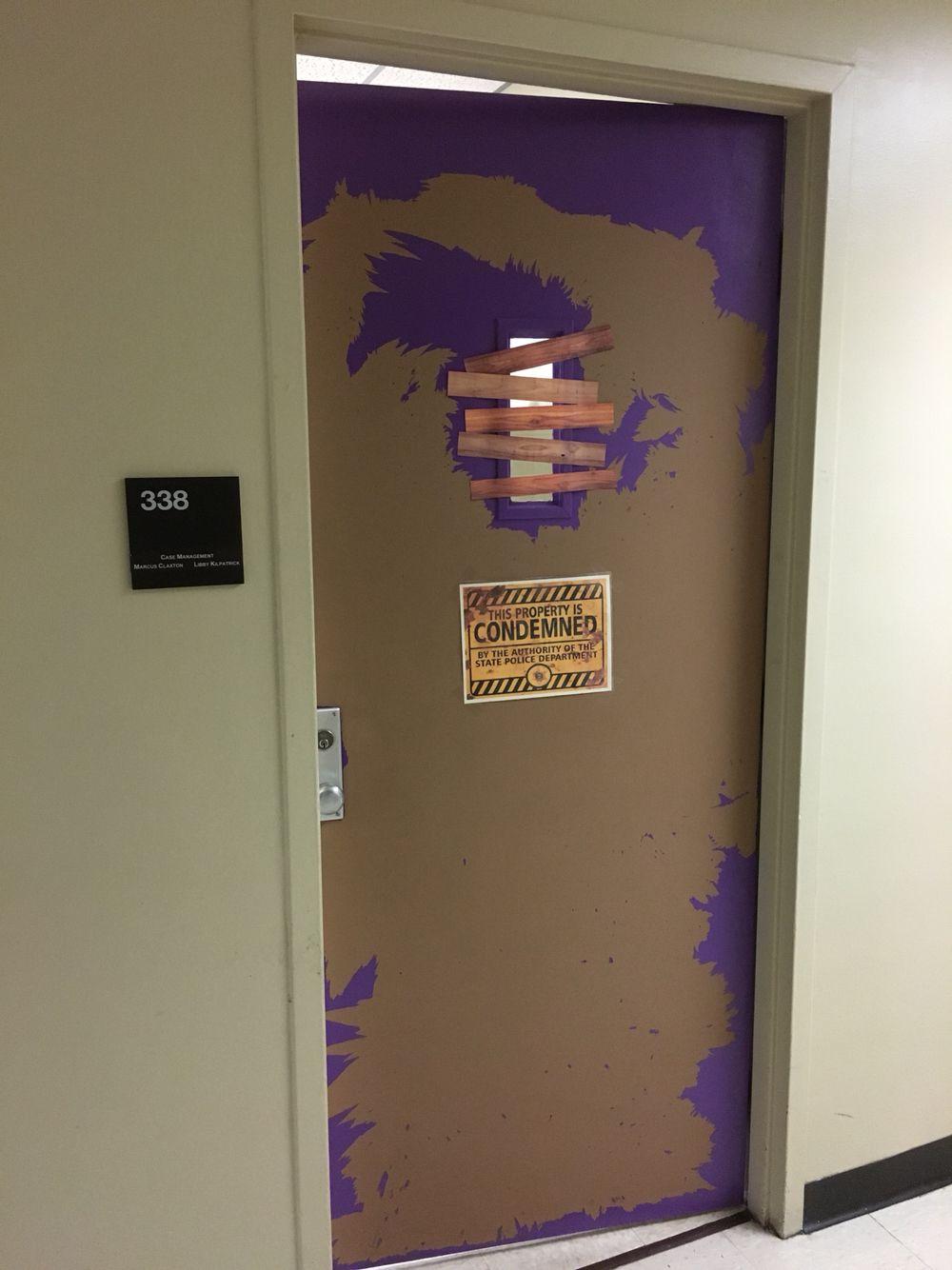 Peeling paint on office door 🚪 be es a Halloween