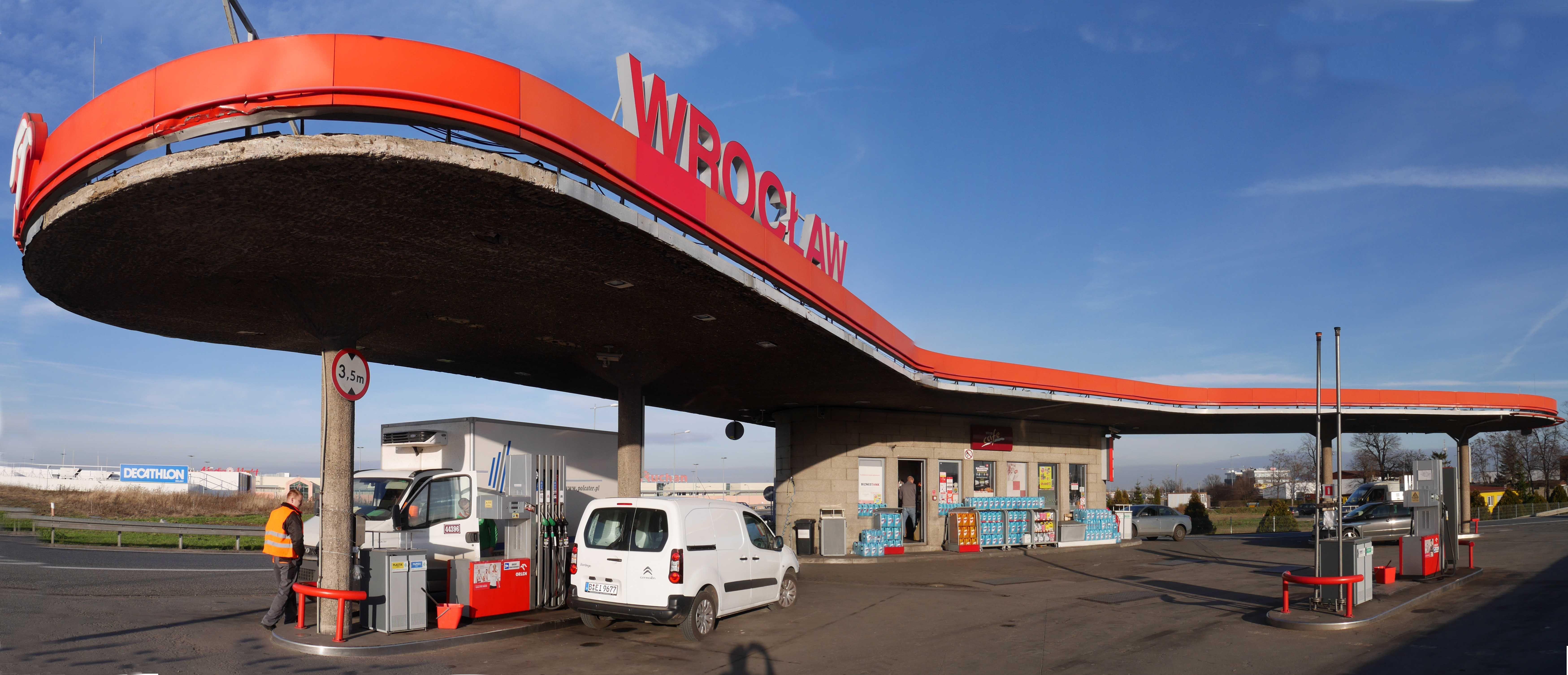Tankstelle breslau modell f rstenwalde gas station for Bauhaus architektur heute