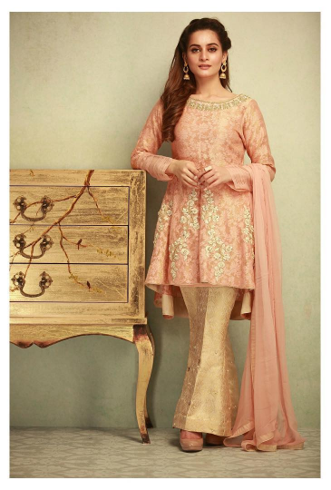83df57aaa 20 Classy Outfits for Pakistani Girls with Short Height
