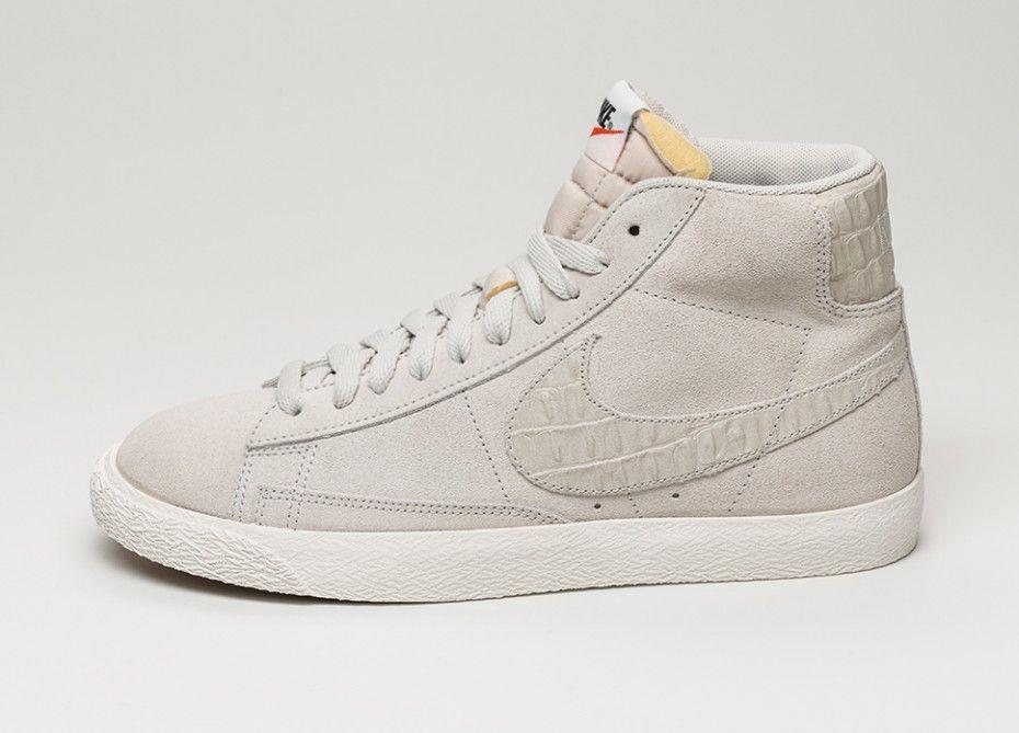 best cheap eaaac d35a1 Nike Blazer Mid Premium Vintage (Light Bone   Light Bone - Sail)