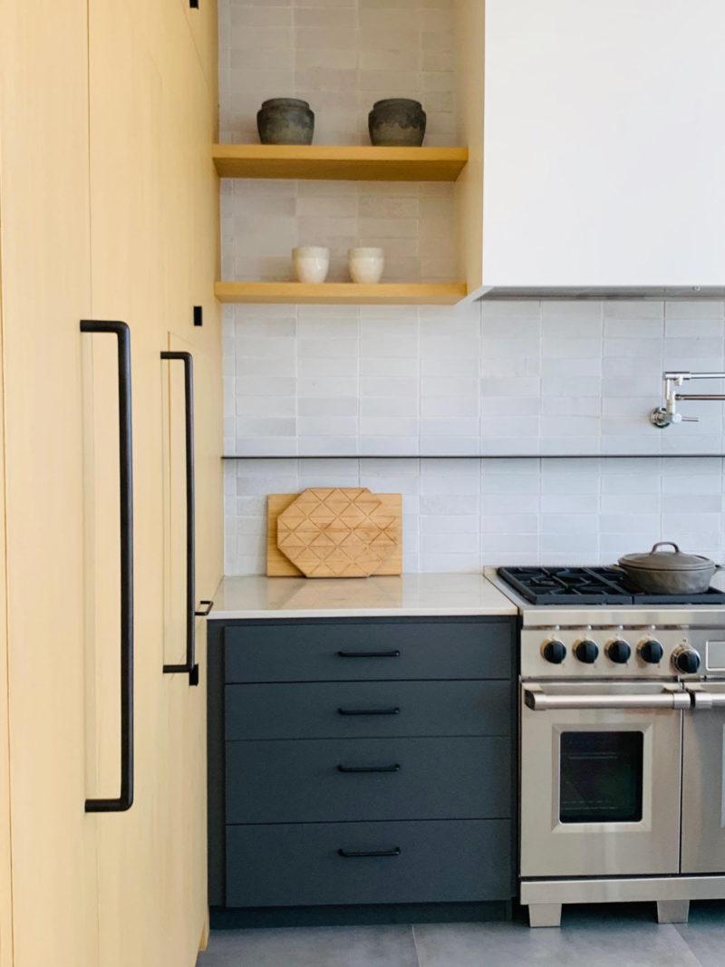White Mountains Modern Kitchen Fireclay Tile Modern Kitchen White Modern Kitchen Fireclay Tile