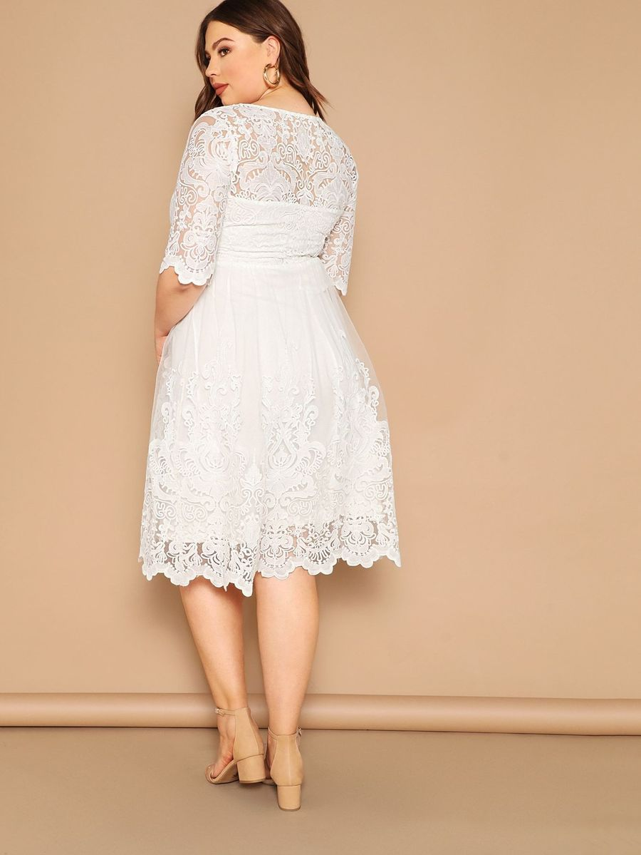 Plus Embroidered Mesh Overlay Scalloped Sweetheart Dress Sweetheart Dress Lace White Dress Occasion Maxi Dresses [ 1199 x 900 Pixel ]