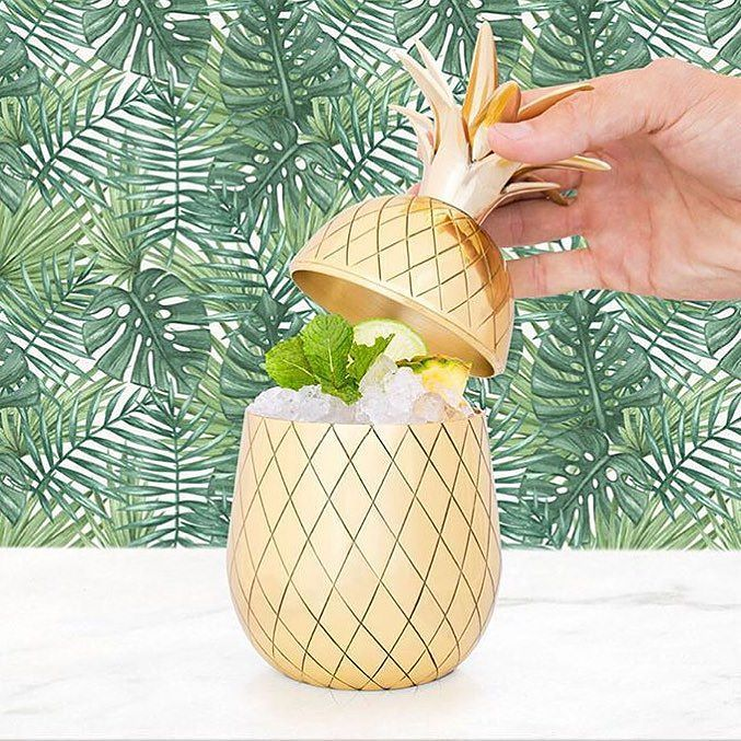 Serve your drinks in style with this gorgeous new gold pineapple tumbler! Just fabulous for your next cocktail party! Want one? Comment SOLD with your email and the state we're shipping to. #tfssi #stsimons #seaisland #cocktails #happyhour #holidayentertaining