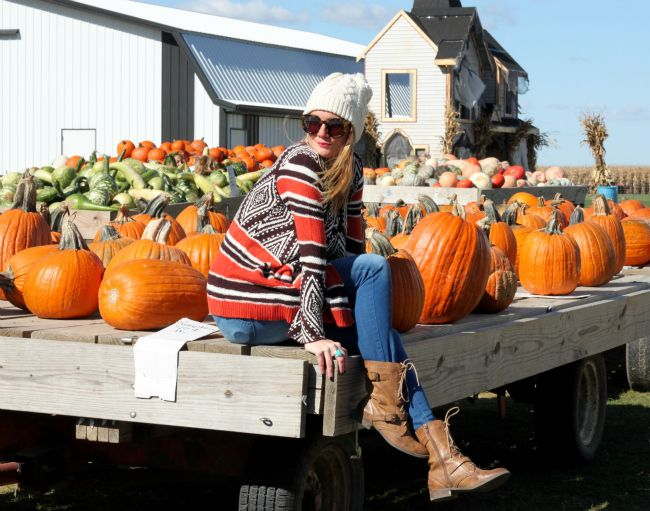 When Life Gives You #Pumpkins...(wearing @targetstyle @oldnavy @solesociety)