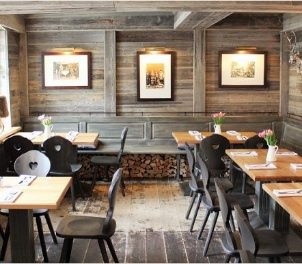 Das Restaurant Alter Krug in Berlin Dahlem besticht mit einer wunderbaren Lage rustikaler