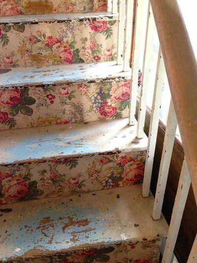 shabby chic flowers on stairs