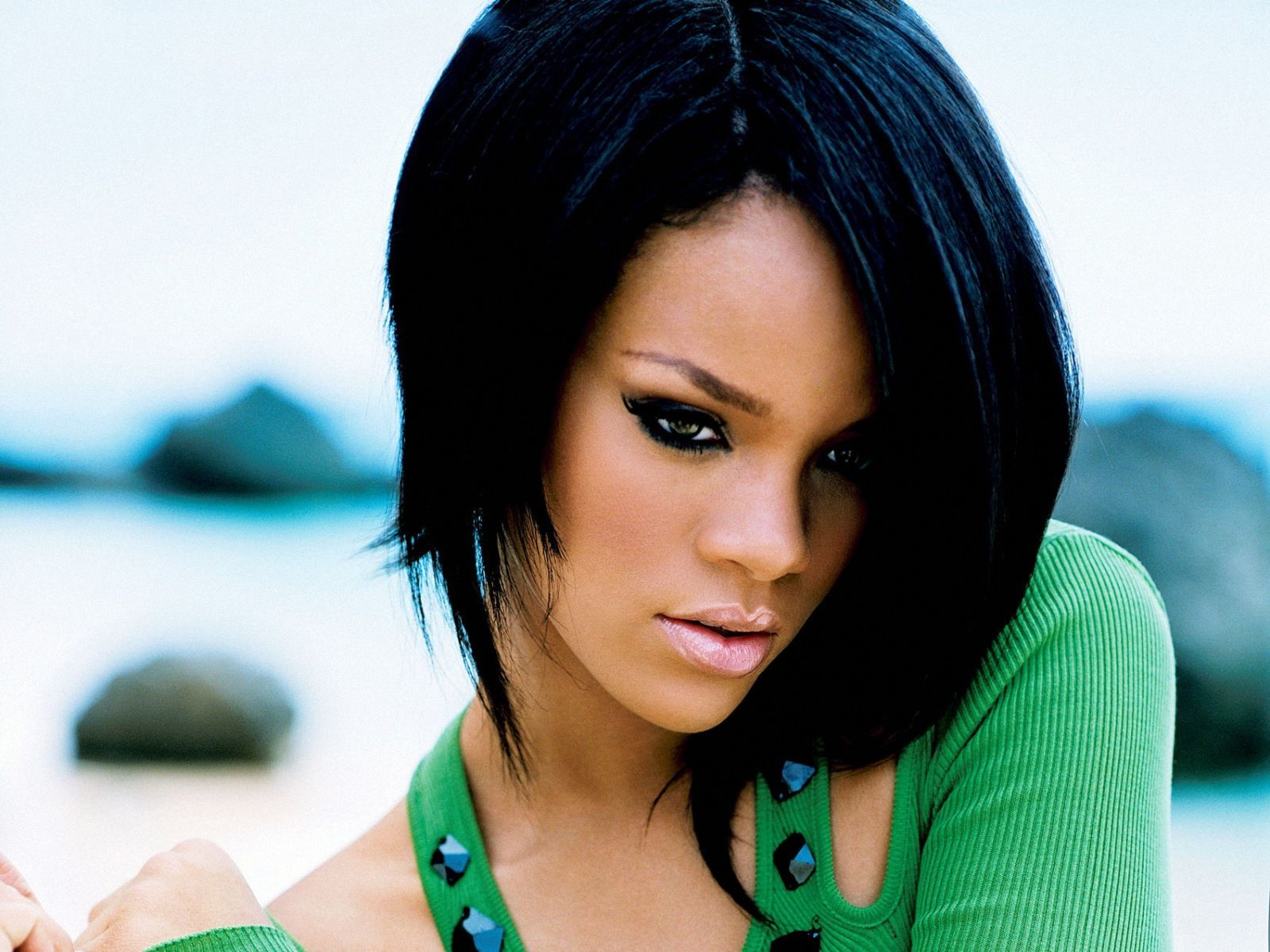 Robyn Rihanna Fenty (born February 20, 1988), known by her