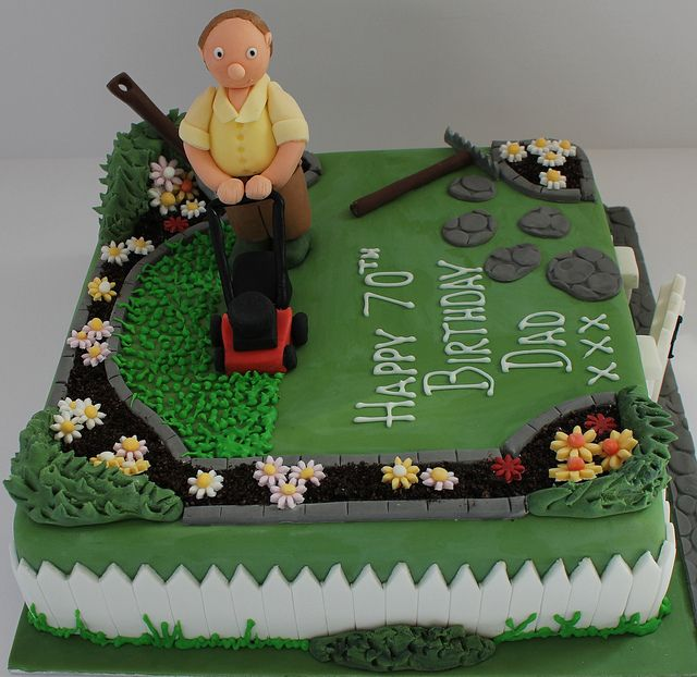 Gardeners birthday cake creative cakes birthday cakes for Garden theme cake designs