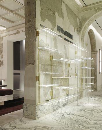 Antonia boutique vincenzo de cotiis palazzo cagnola for Store design milano