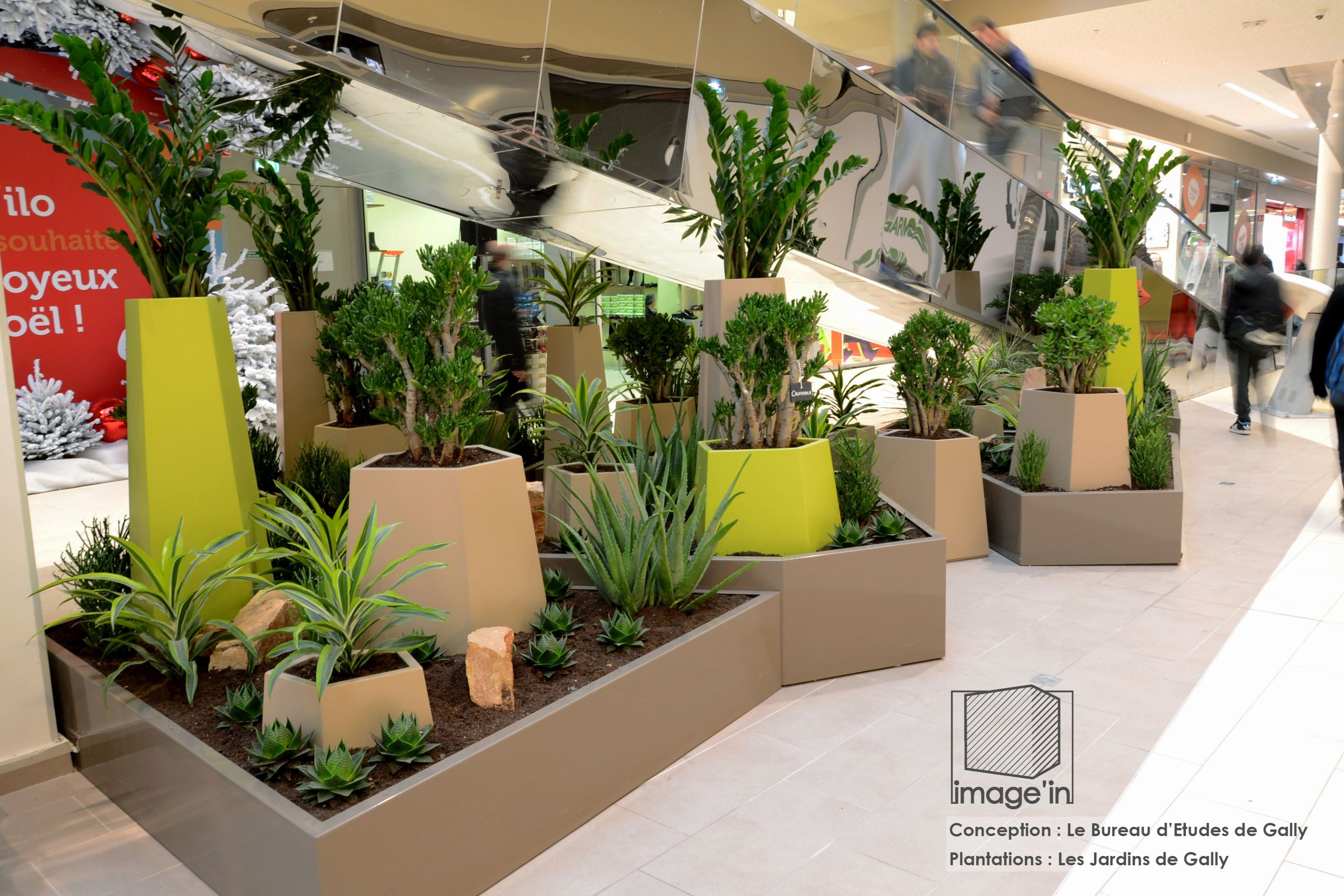 jardini re en m tal pentagon planters by image 39 in by. Black Bedroom Furniture Sets. Home Design Ideas