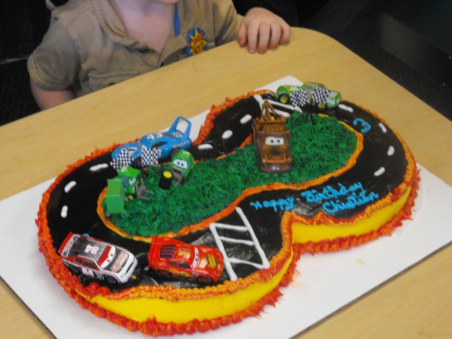 car cakes | Pixar Movie Cars racing on his cake. Used Yellow and ...