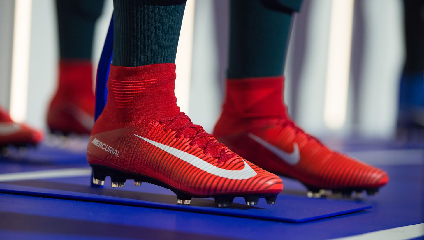 officiella bilder presenter nytt billigt Nike 2016 Innovation Summit | Soccer boots, Soccer shoes, Football ...