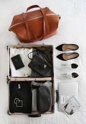 Travel Essentials Flatlay-Taschen 44 Trendige Ideen Travel Essentials Flatlay-Taschen …   – Wande