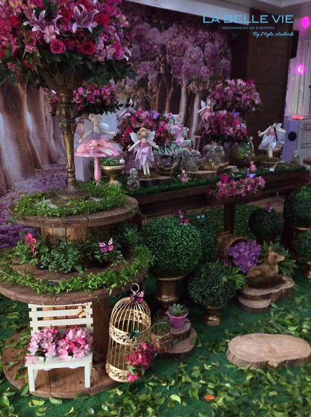 Pin de precious en enchanted fairy garden birthday for Decoracion fiesta jardin noche