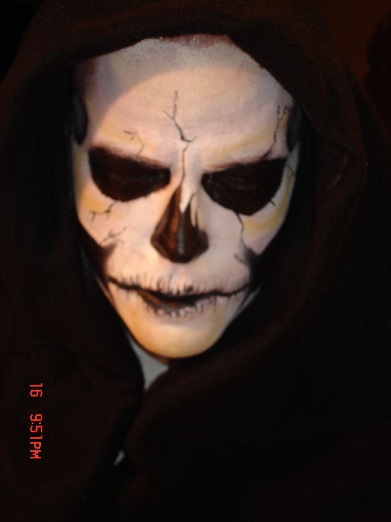 halloween makeup for men halloween makeup skeletons and. Black Bedroom Furniture Sets. Home Design Ideas