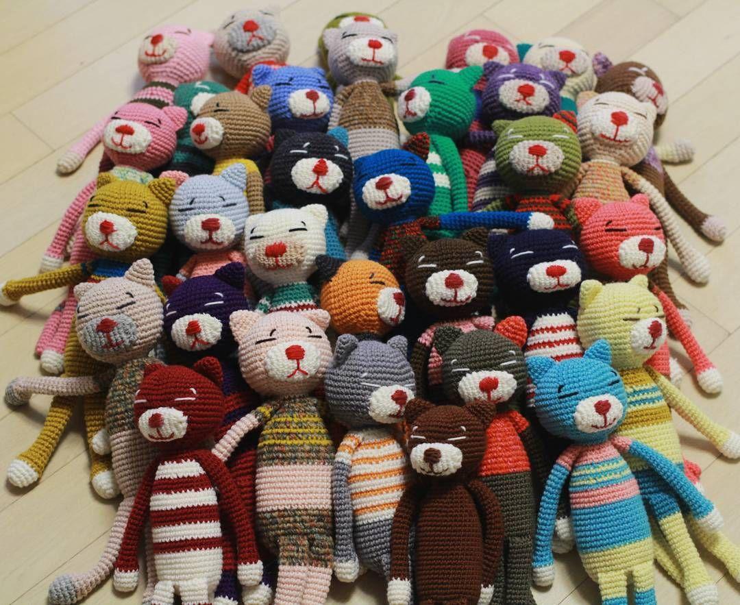밖에 나오니 좋지?ㅎ    #인형놀이 #한땀한땀 #인형공장 #아미네코 #손뜨개 #뜨개 #뜨개인형 #뜨개모티브 #핸드메이드 #코바늘뜨개 #gulosa #amineko #crochet #crochê #instaknit #crochetaddict #crocheter #knittinglove #knitting #knittingdoll #crocheting #crochetdoll #crocheted #amigurumi #blanket #diy #handmade #feitoamão #hechoamano by karol_yuri