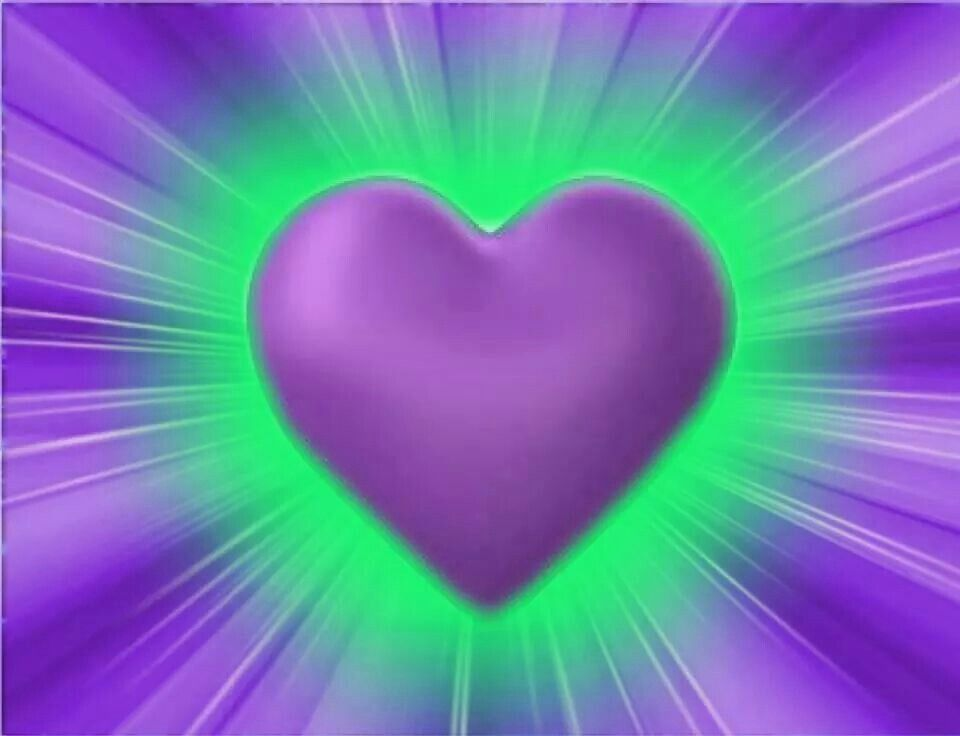 Purple And Black Hearts Wallpaper: Purple Heart With Green Glow