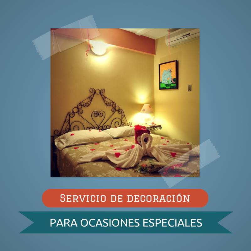 Por un mínimo costo extra, sorprende a tu pareja con el servicio de decoración de habitación para ocasiones especiales... ¡Atrévete!