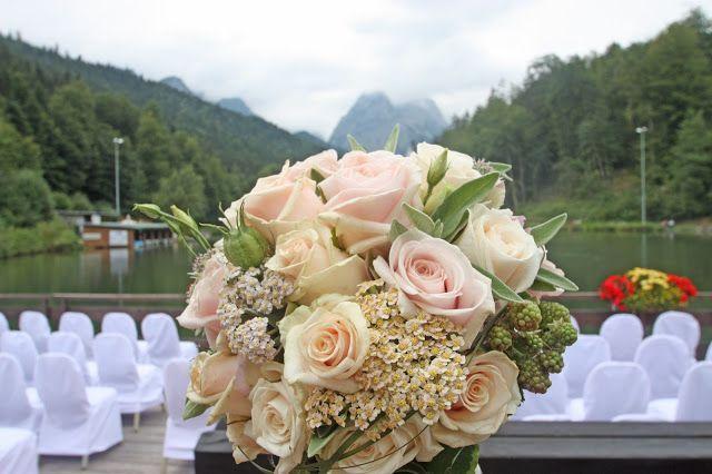 brautstrau mit rosen in blush nude pfirsich ros bridal bouquet blush nude. Black Bedroom Furniture Sets. Home Design Ideas