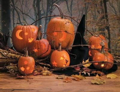 Carve Pumpkins with Cookie Cutters by fresh home #Halloween #jack_o_lantern #freshhome