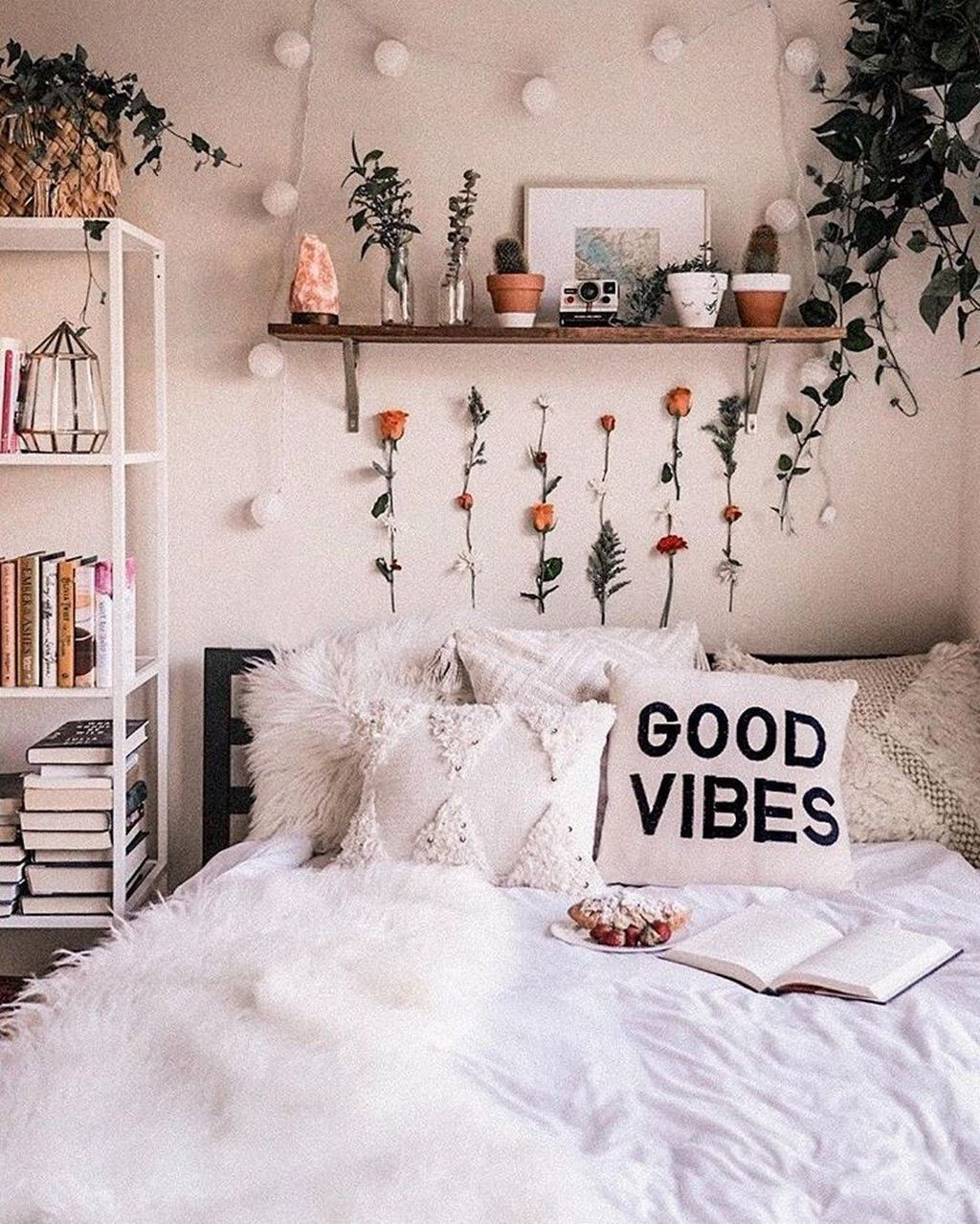 30+ Splendid Dorm Room Ideas To Tare Room Decor To The Next Level