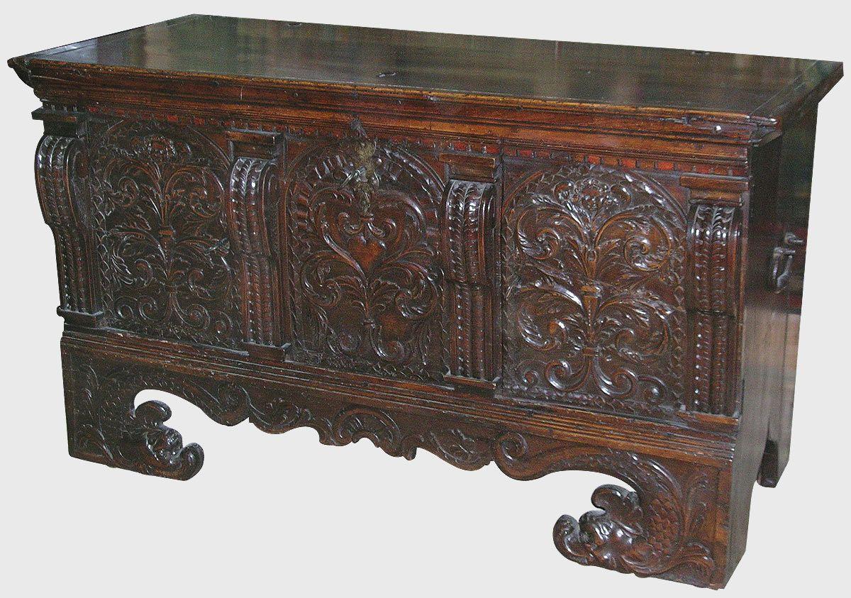 Coffre Italien Renaissance Epoque Xvie Siecle Antiquites Catalogue Baroque Furniture Antique Furniture Renaissance Era