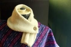 DIY Tutorial: Fashion / How to Make Cowl Scarves from Old Sweaters { simple DIY ideas } - Bead&Cord
