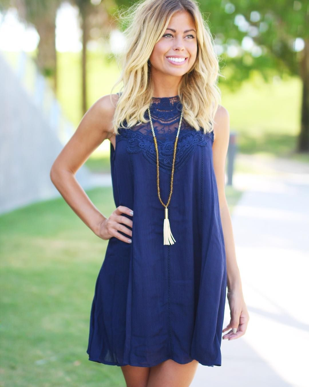 Lovely and Popular Summer Outfit Ideas Navy blue short